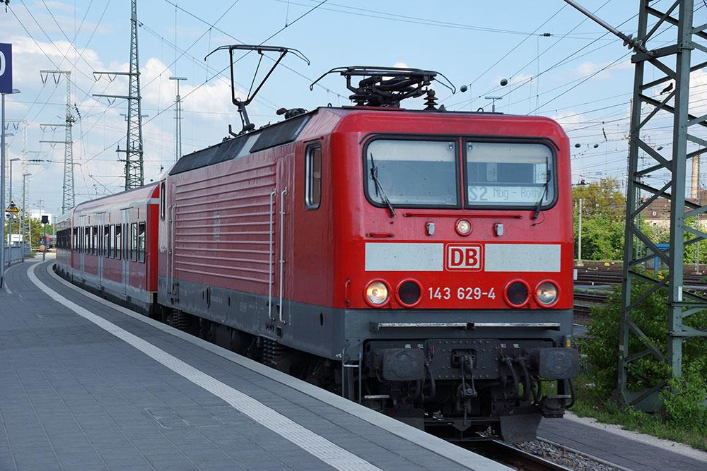 Bild S-Bahn Nürnberg   Bild: Wikipedia   Copyright: DALIBRI