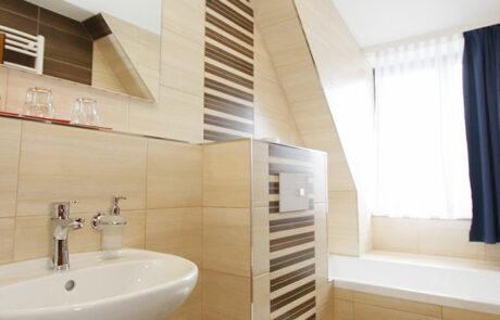 Badezimmer Doppelzimmer mit Wasserbett